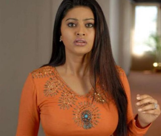 Sneha Is Not Only Exquisite In Her Look But Her Performance Is Equally Excellent And Perfect Sneha Is A Very Rare Mixture Of Both Beauty And Wonderful